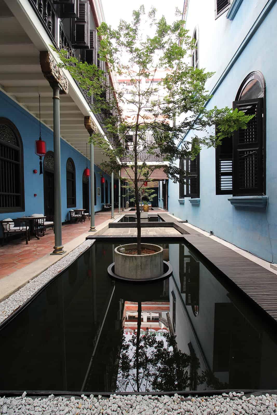 boutique-hotel-penang-island-blue-mansion-architecture-01-1_uqsubw Architecture