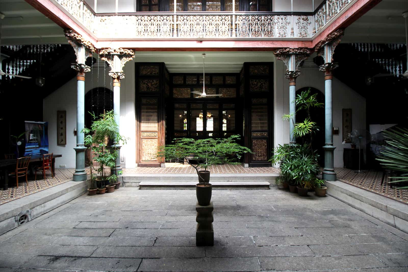 boutique-hotel-penang-island-blue-mansion-architecture-03-1_tpforg Courtyard