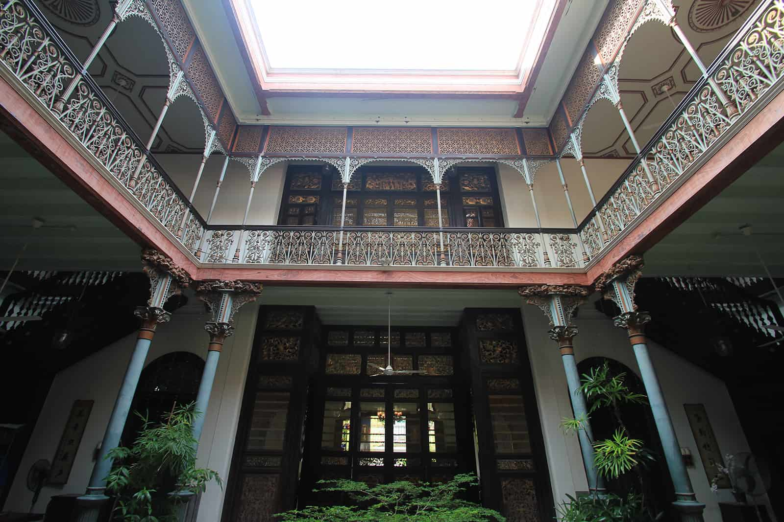 boutique-hotel-penang-island-blue-mansion-architecture-04-1_gc5ngr Courtyard