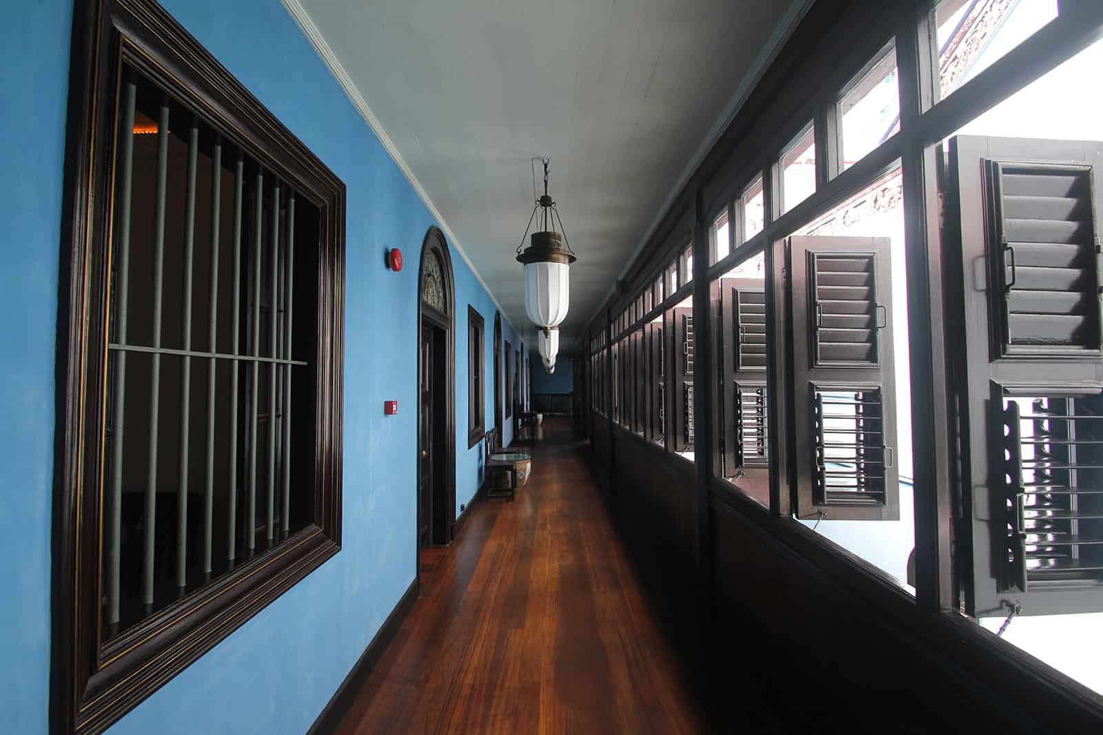 boutique-hotel-penang-island-blue-mansion-architecture-13_v2crmy Courtyard